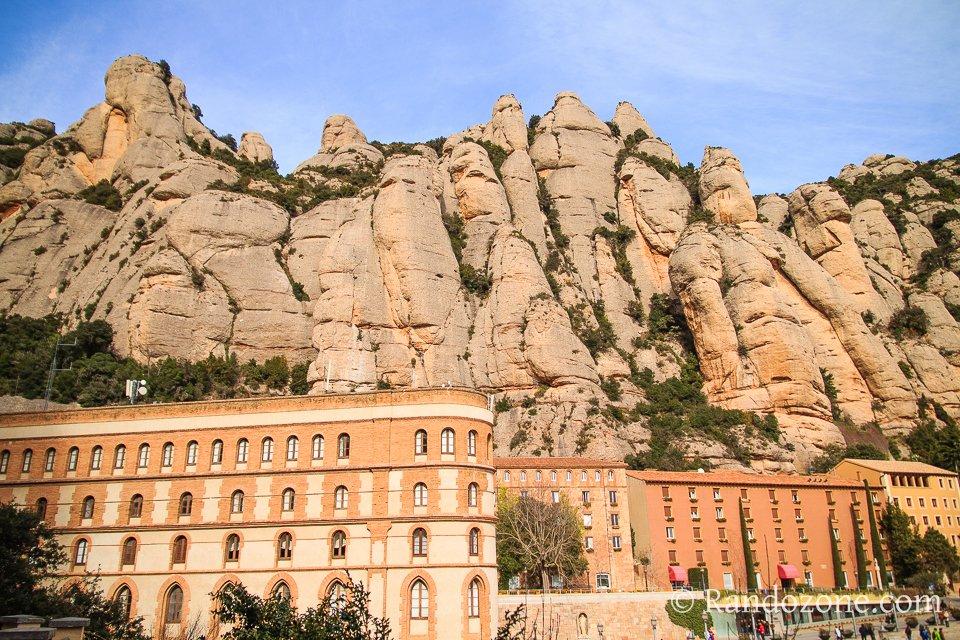 Les montagnes au-dessus du monestir