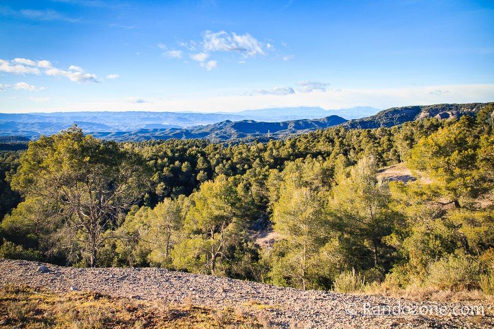 Vue vers Rellinars et Montserrat