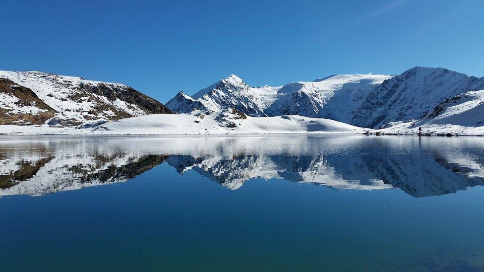 Magnifique reflet sur un des lacs Verdet