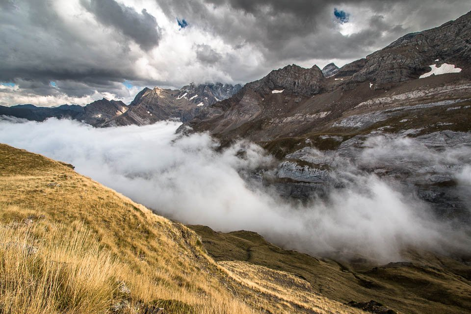 Mer de nuages depuis le col de Tentes