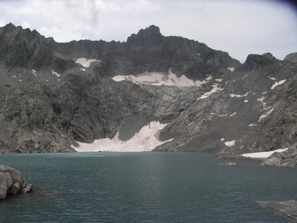 Lac Tourrat au fond de son cirque