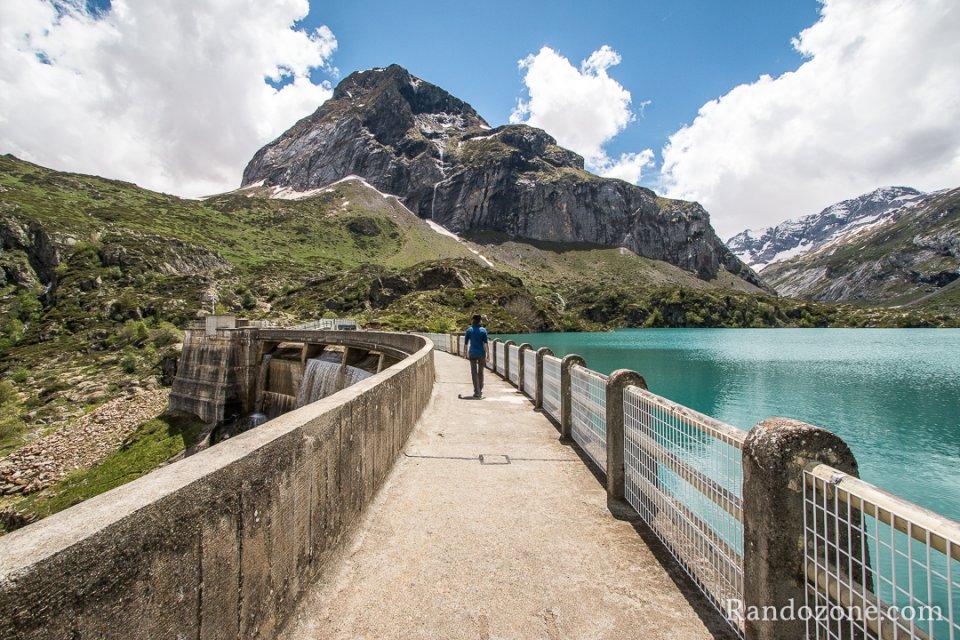 Passage sur le barrage des Gloriettes