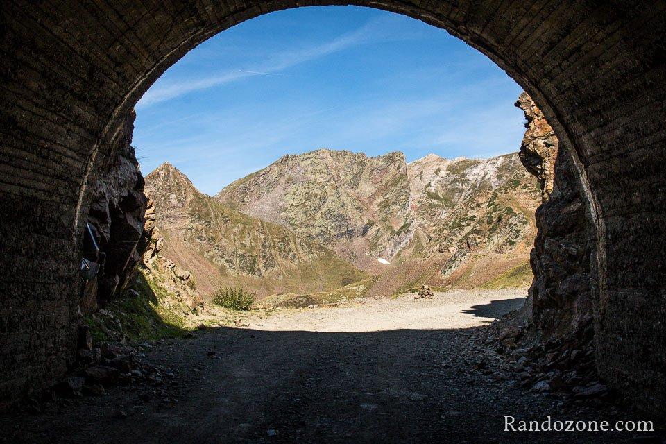 Un des deux tunnels qu'il faut traverser
