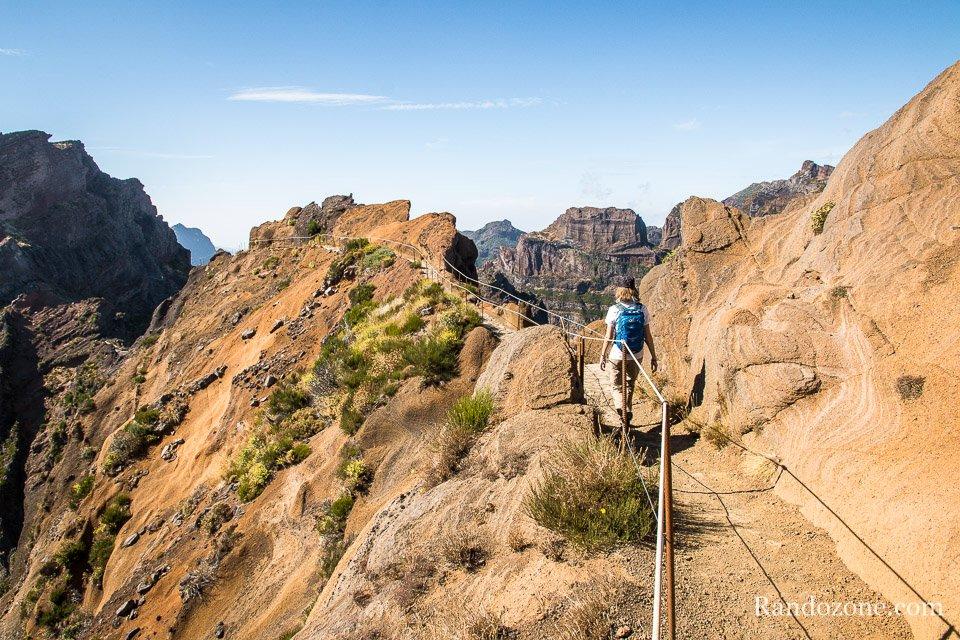 Randonnée depuis le Pico do Arieiro à Madère