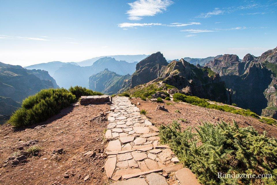 Début de la randonnée depuis le Pico do Arieiro