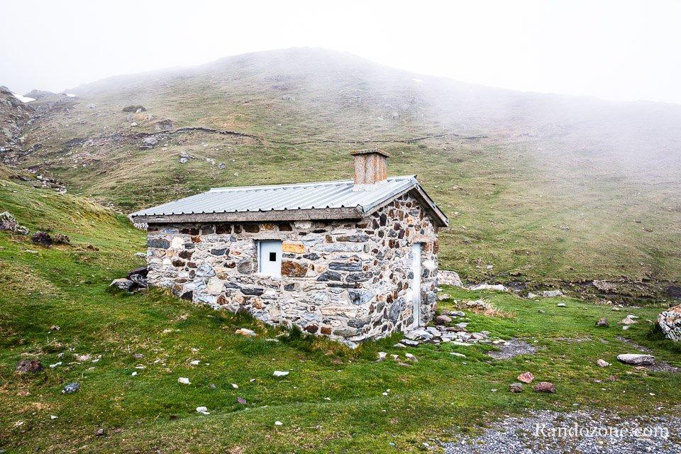 Cabane de Groutte au bord de la route